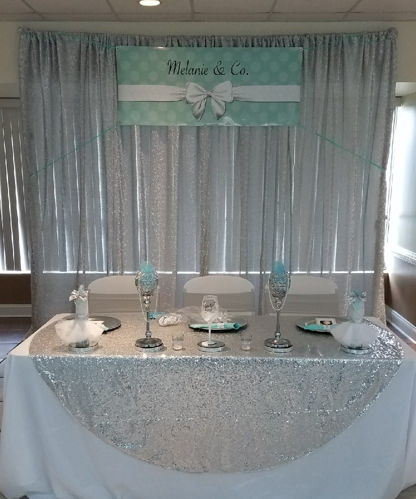 Mels shower head table