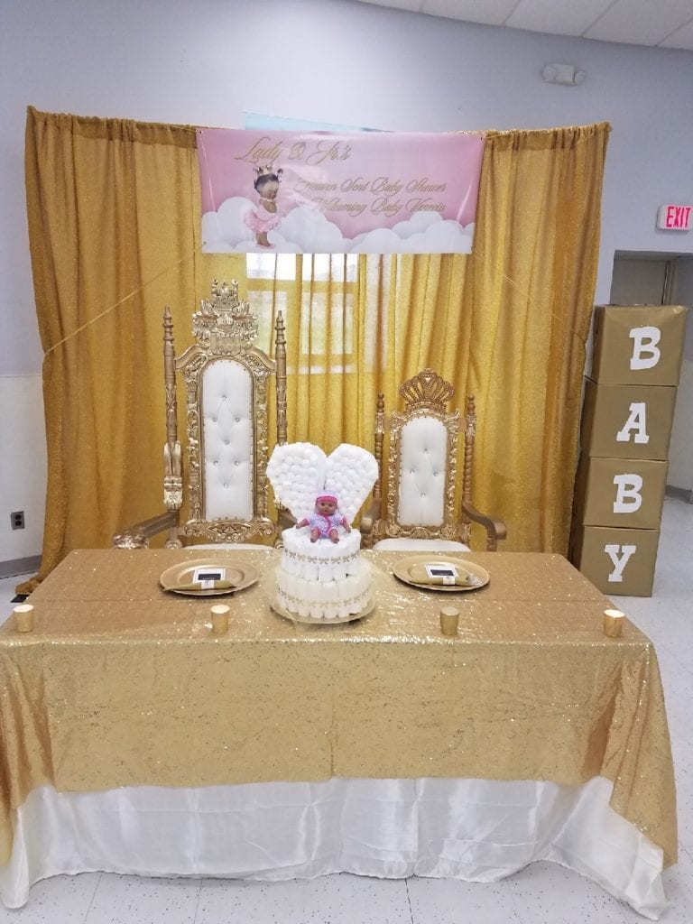 lady head table